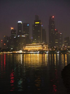 Singapur-Skyline-am-Abend